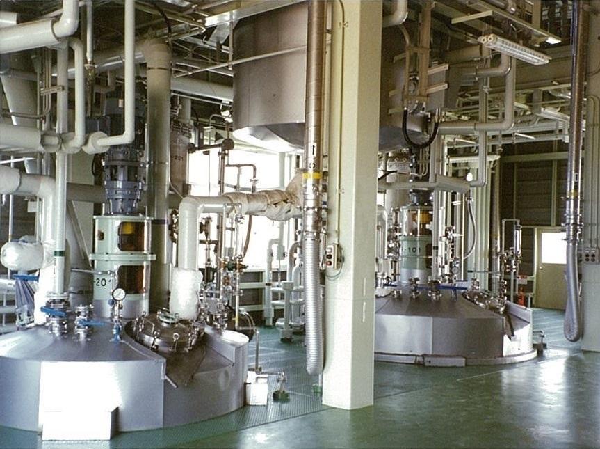 高真空下での樹脂反応装置